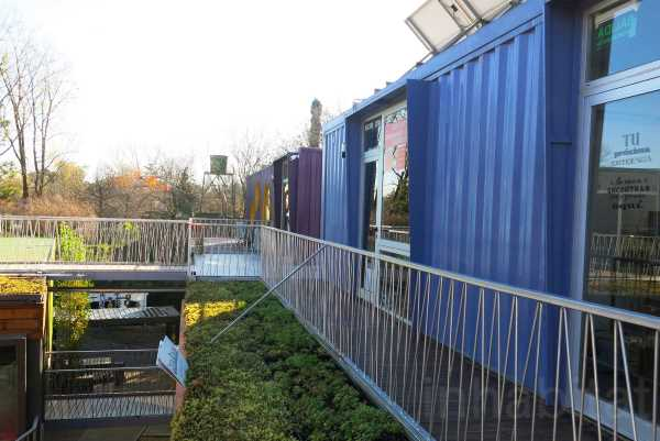 BZZ Arquitectura shipping container mall QUO Container Center Buenos Aires 15