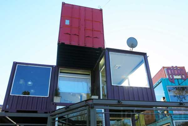 BZZ Arquitectura shipping container mall QUO Container Center Buenos Aires 4