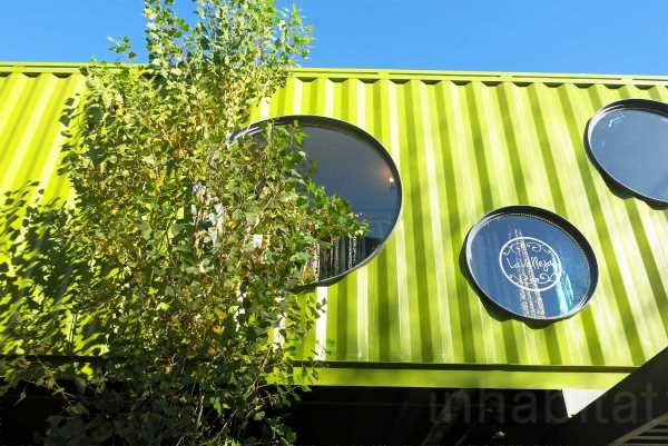 BZZ Arquitectura shipping container mall QUO Container Center Buenos Aires 8