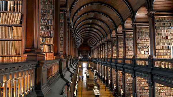 trinity college long room library dublin 12