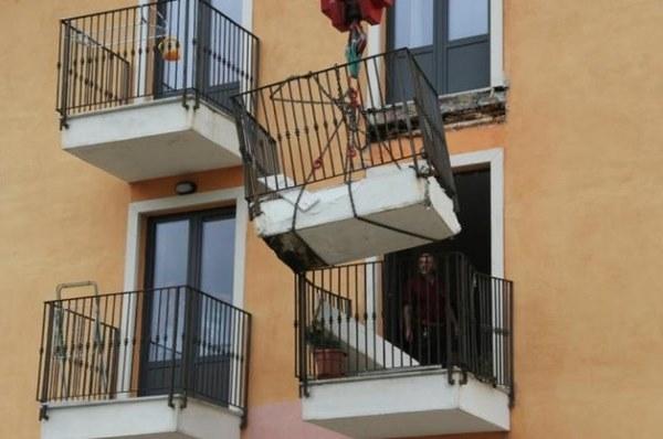 balcone aquila