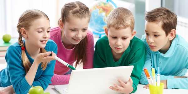 bambini smartphone tablet salute