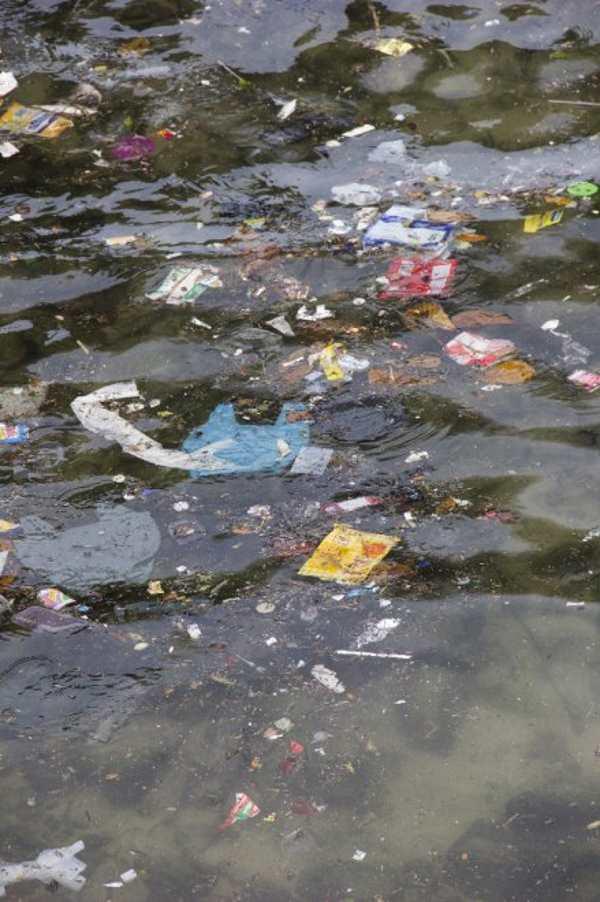 inquinamento spiaggia leblon2
