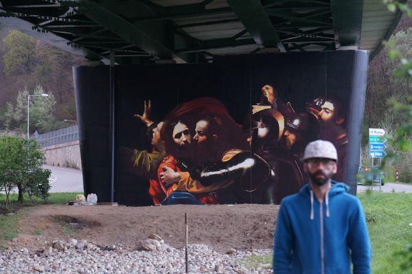 murales andrea ravo mattoni caravaggio6