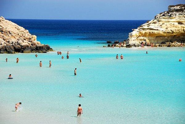 Cartina Delle Spiagge Di Lampedusa.Le 10 Spiagge Piu Belle Di Lampedusa Greenme