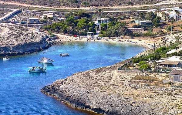spiaggia di cala francese lampedusa