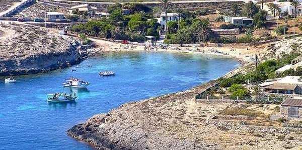 spiaggia di cala francese lampedusacop