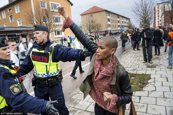 donna nazisti polizia