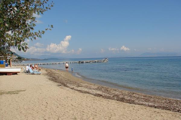 spiagge corfu messonghi