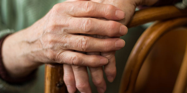 artrite-reumatoide-sintomi-cause-rimedi