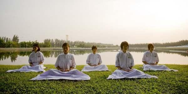 bambini meditazione thailandia