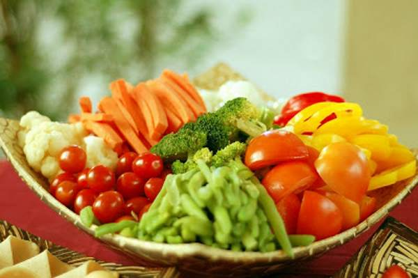 frutta e verdura crude