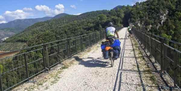 ferrovie dismesse ciclabili