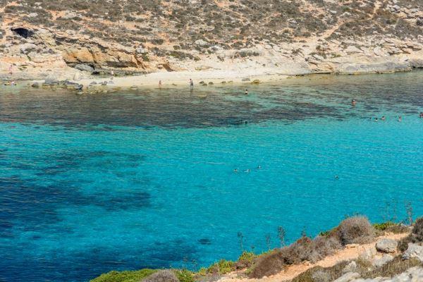 laguna blu comino1