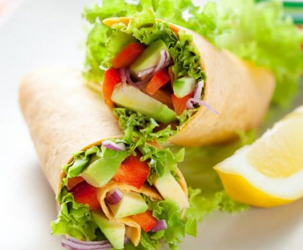 burrito vegetariano lattuga avocado