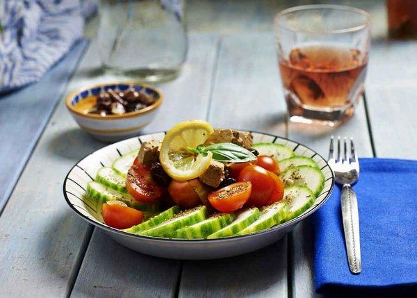 insalata greca vegan