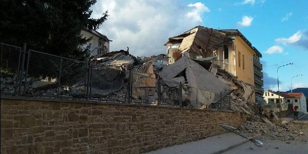 Scuola di Amatrice distrutta