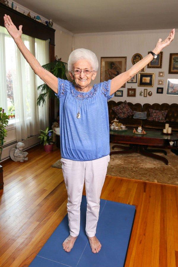 anna pesce yoga 3