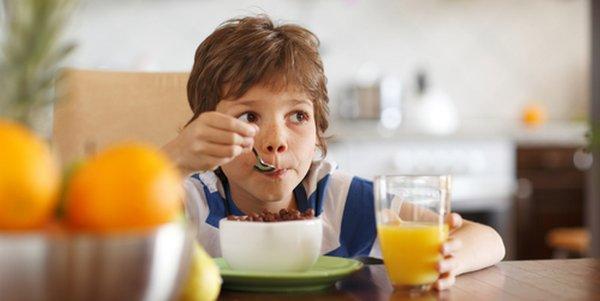 bambini colazione scuola