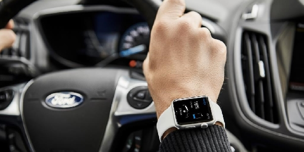 Smartwatch app Ford