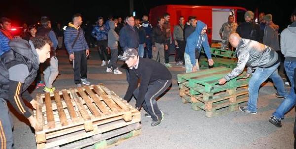 barricate_migranti