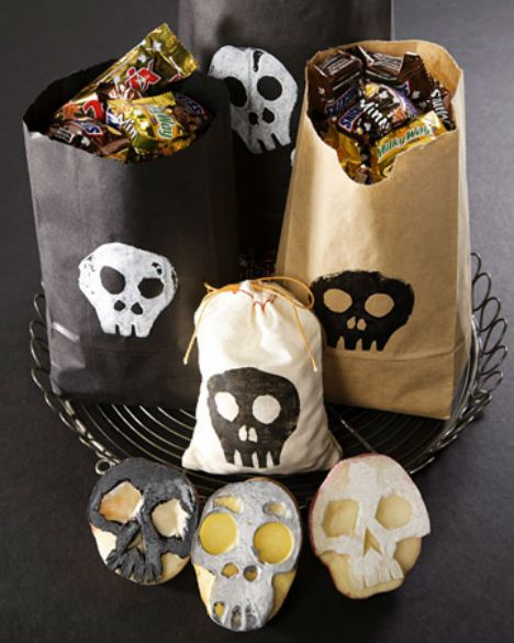 green-halloween-skull-potato-stamp