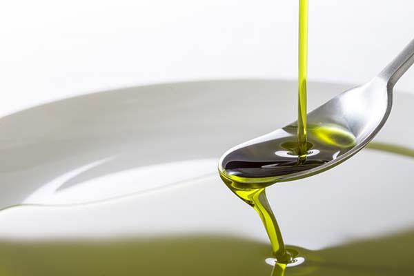 olio canapa cucchiaino