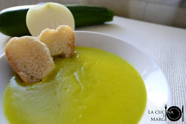 vellutata di zucchine alla curcuma