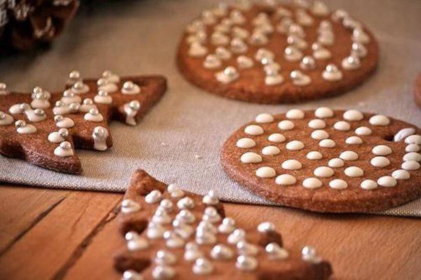 biscotti a forma di albero di natale