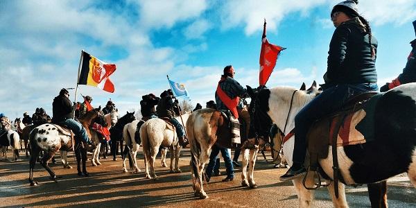 nativi protesta