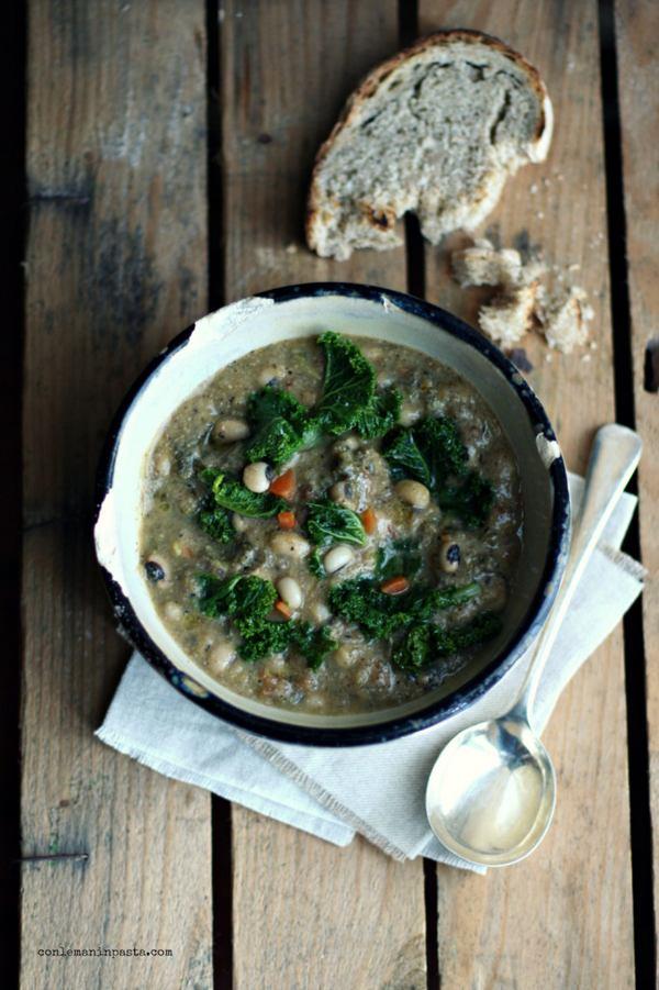 zuppa cavolo riccio fagioli