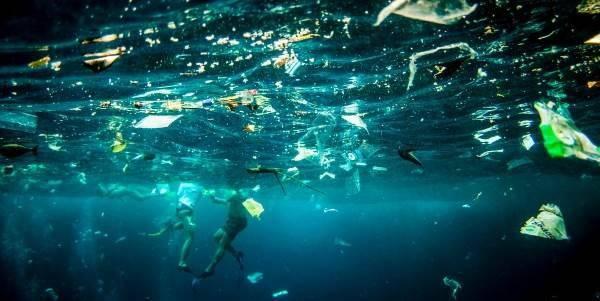 oceano_plastica