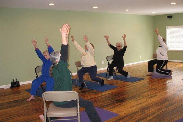 yoga sedia artrosi