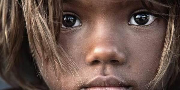 bambini_carestia_africa
