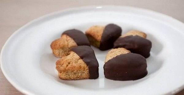biscotti integrali ricoperti cioccolato