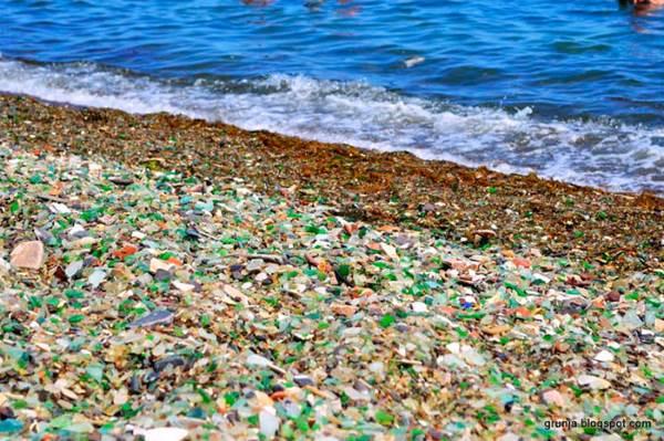 spiaggia russa vetro4