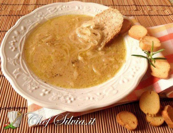 zuppa di cipolle rustica