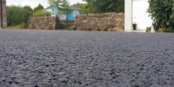 asfalto plastica