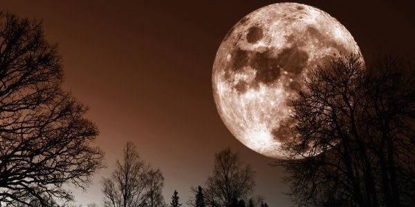 luna rosa di aprile