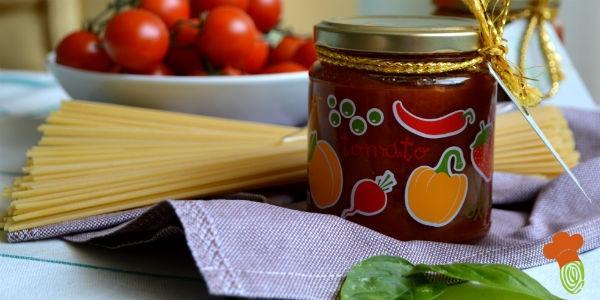 passata di pomodoro cover