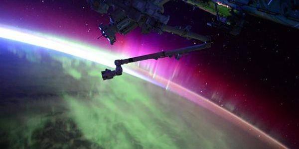 aurora polare dallo spazio