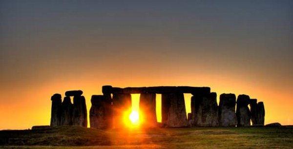 equinozio stonehenge