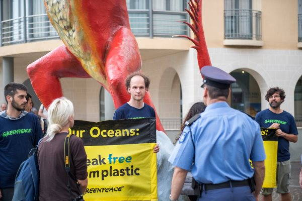greenpeace plastica 8