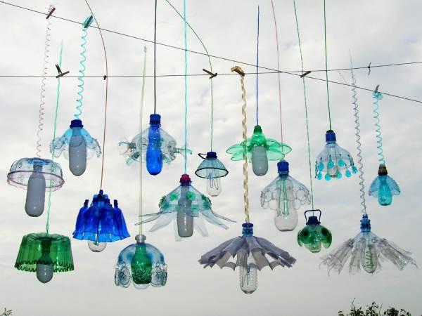 Bricolage Con Bottiglie Di Plastica.I Suggestivi Lampadari Retro Realizzati Dal Riciclo Delle