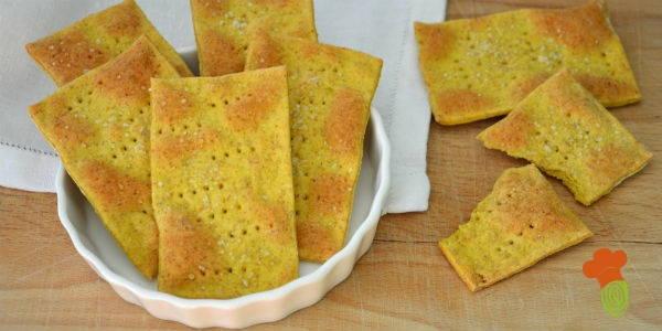 crackers alla curcuma senza lievito cover