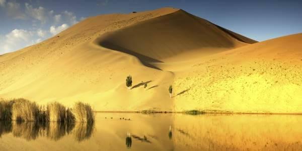 deserto-laghi-misteriosi
