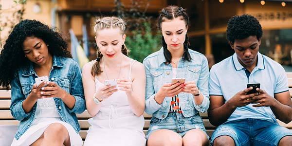 dipendenza-smartphone-cervello