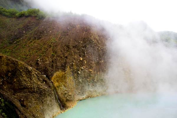 dominicas boiling lake