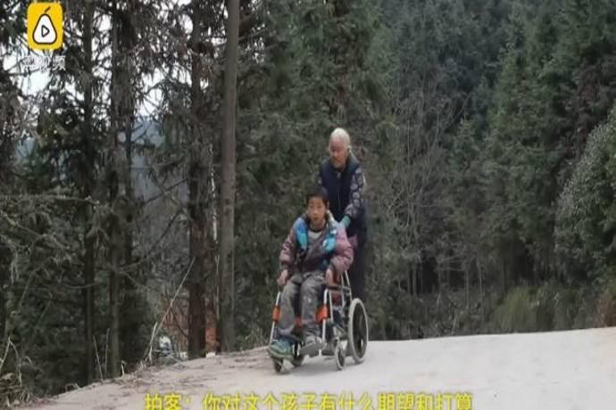 nonna-a-piedi
