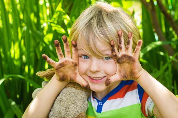 bambini_sporchi-mani